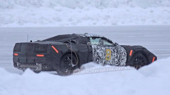chevy-mid-engine-corvette-spy-pics1-2