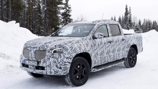 2018-mercedes-x-class-new-spy-photo