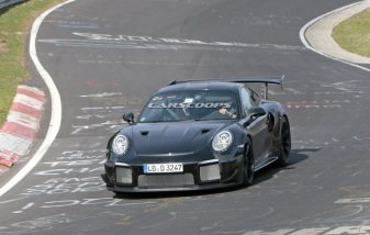 2018-Porsche-911-GT2-RS-Track 2