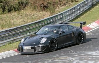 2018-Porsche-911-GT2-RS-Track 4