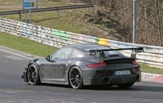 2018-Porsche-911-GT2-RS-Track 8